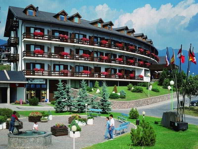 Centro vacanze veronza hotel en cavalese viajes el - Hotel cavalese con piscina ...