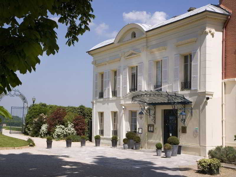 Pavillon henri IV Hotel