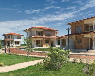 3* Green Apartments and Villas