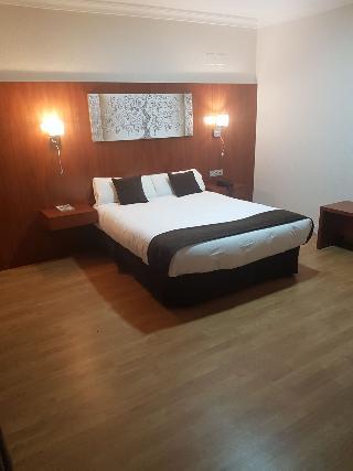 Viajes Ibiza - Hotel Familia Conde