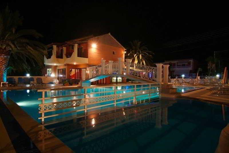Olga's Hotel & Pool