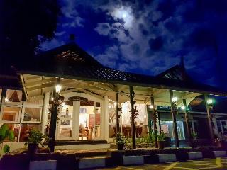 Sutera Sanctuary Lodges at Poring Hot Springs