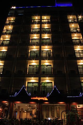 芭東海明威酒店