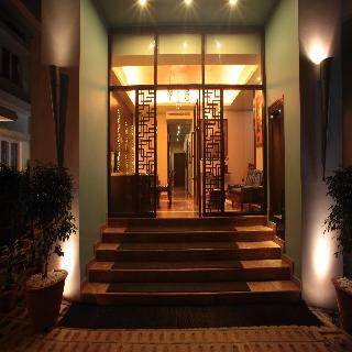 Justa The Residence On MG Road