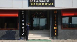 Classic Diplomat