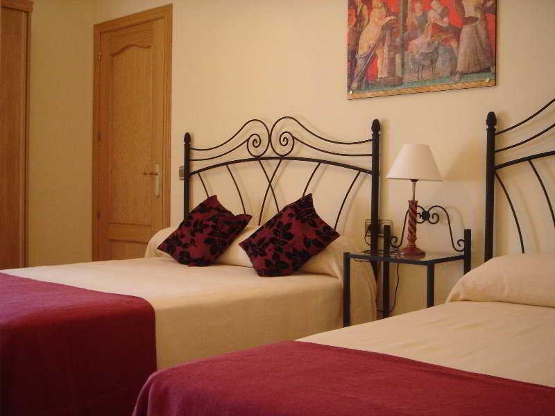 Hotel Hostal Las Abadias