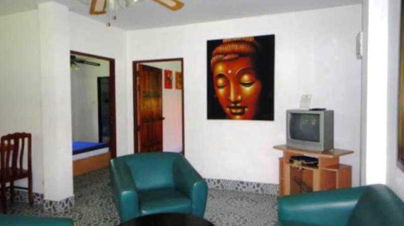 Smile House and Pool