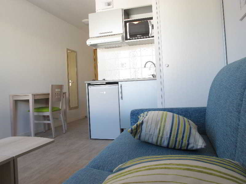 privilege l 39 escale marine. Black Bedroom Furniture Sets. Home Design Ideas