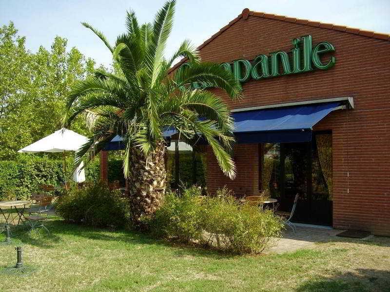 http://www.hotelbeds.com/giata/16/164079/164079a_hb_a_001.jpg