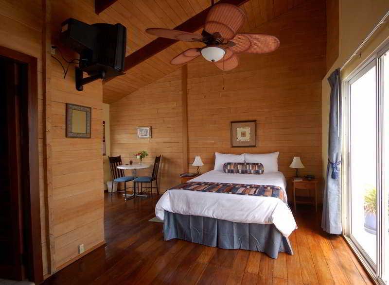 Mata Rock Resort