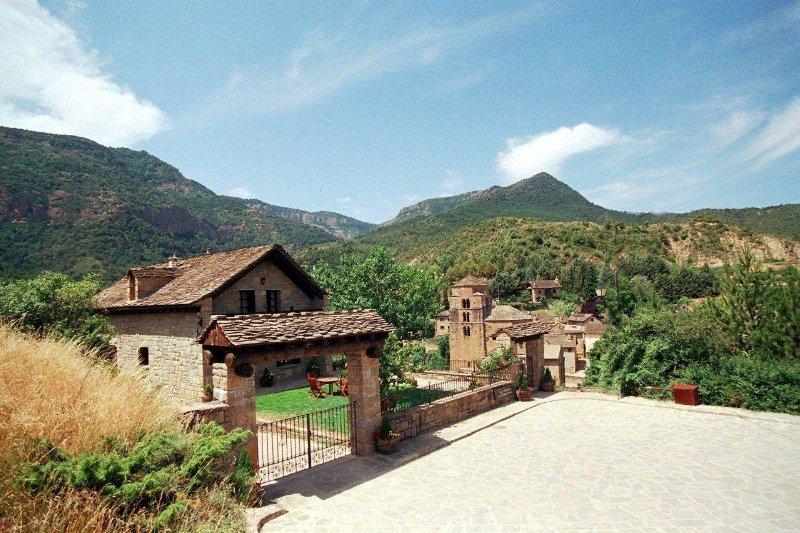 El mirador de los pirineos hotel en santa cruz de la for Mirador del pirineo