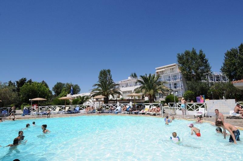 Grand Bleu Sea Resort Hotel