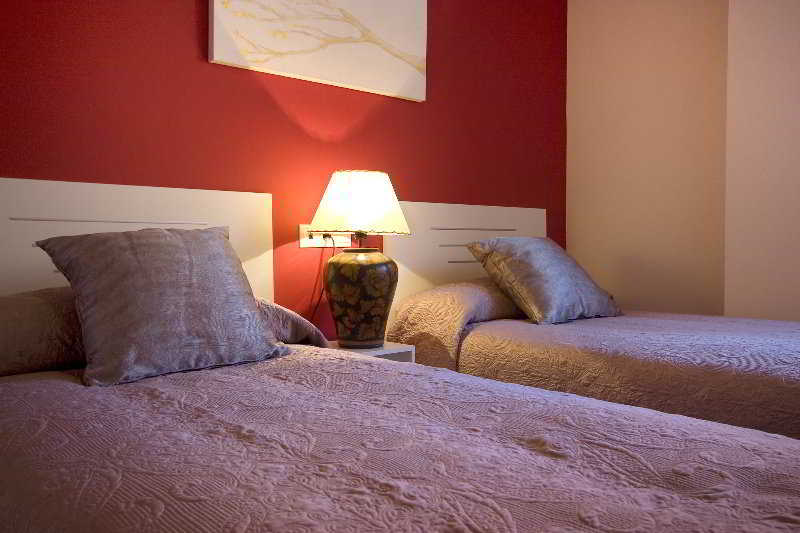 Apartamentos 16 9 suites almeria - Apartamentos argar almeria ...