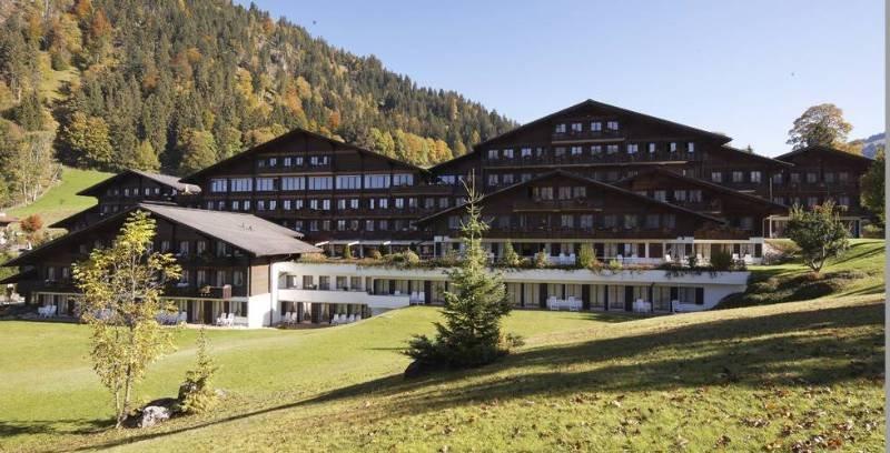 HUUS Hotel Gstaad-Saanen