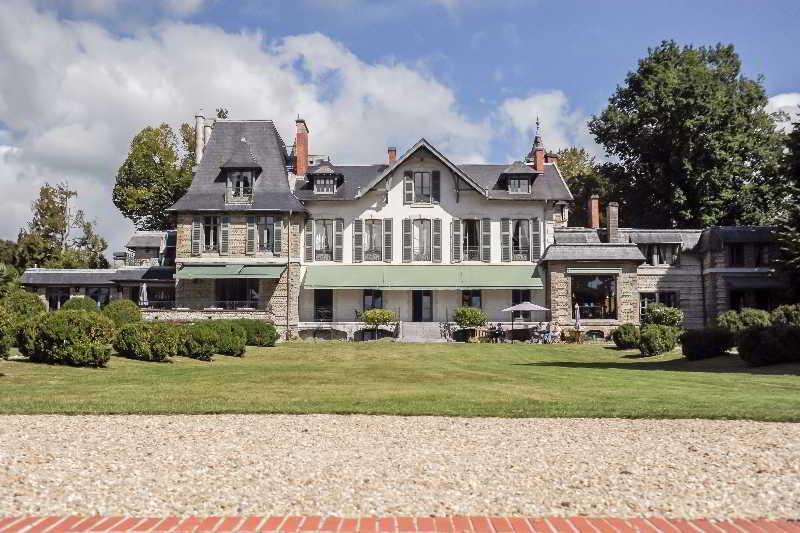 Precios y ofertas de hotel villa navarre en pau catalu a for Villas francesas