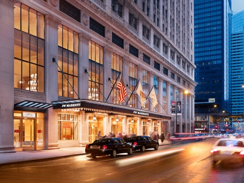 Holidays to chicago best value deals at carlton leisure for Best hotel deals downtown chicago