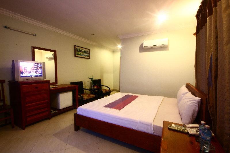 Tan Kang Angkor