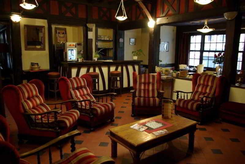 http://www.hotelbeds.com/giata/18/183471/183471a_hb_a_001.jpg