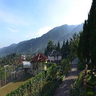 The Jayakarta Inn & Villas Cisarua Mountain Resort, Puncak
