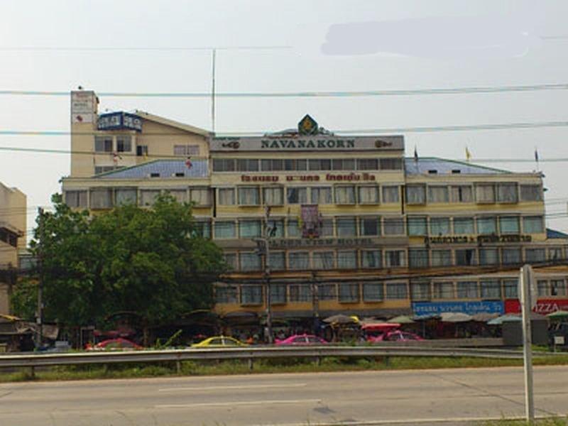 Navanakorn Golden View Hotel