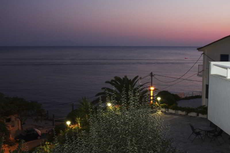 Viajes Ibiza - FRINI STUDIOS
