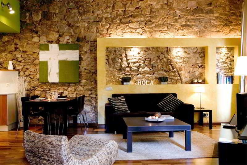 Picasso Apartment