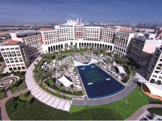 The Ritz Carlton Abu Dhabi, Grand Canal