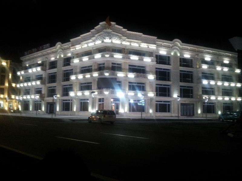 Premier Deluxe Hotel and Spa