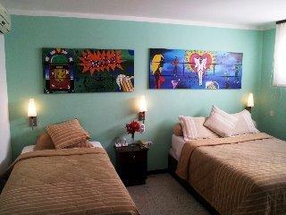 Viajes Ibiza - Granada Inn