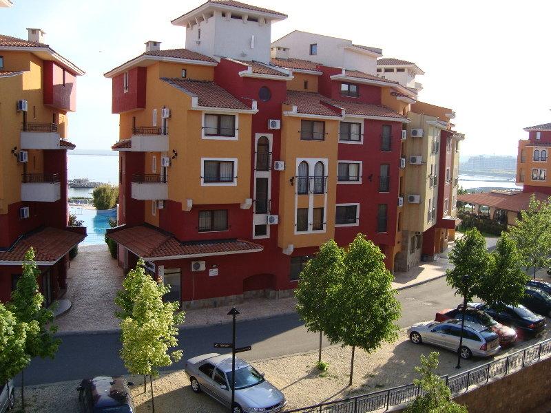 Marina Cape Apartments