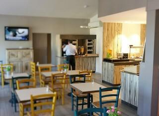 comfort hotel marseille airport. Black Bedroom Furniture Sets. Home Design Ideas