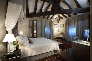 Iriarte Jauregia Hotel
