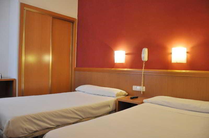 Hotel alguer nou vacances air canada for Chambre fabulous w barcelone