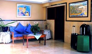 Tamaran Apartamentos