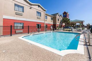 Econo Lodge Inn & Suites East Houston I-10