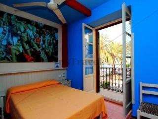 Hostal Los Caracoles - hoteles en Ibiza/ Playa d'en Bossa