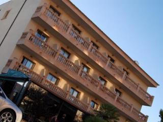 MORON HOTEL