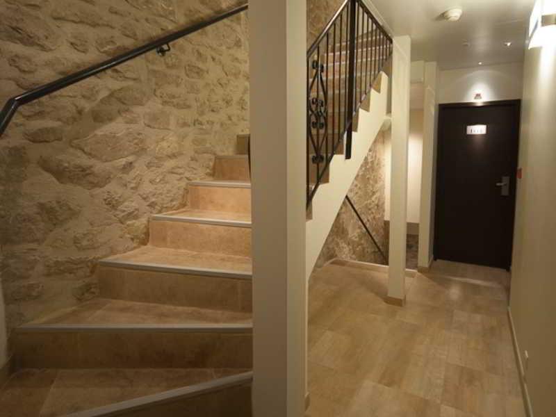 hotel central nimes viajes olympia madrid. Black Bedroom Furniture Sets. Home Design Ideas