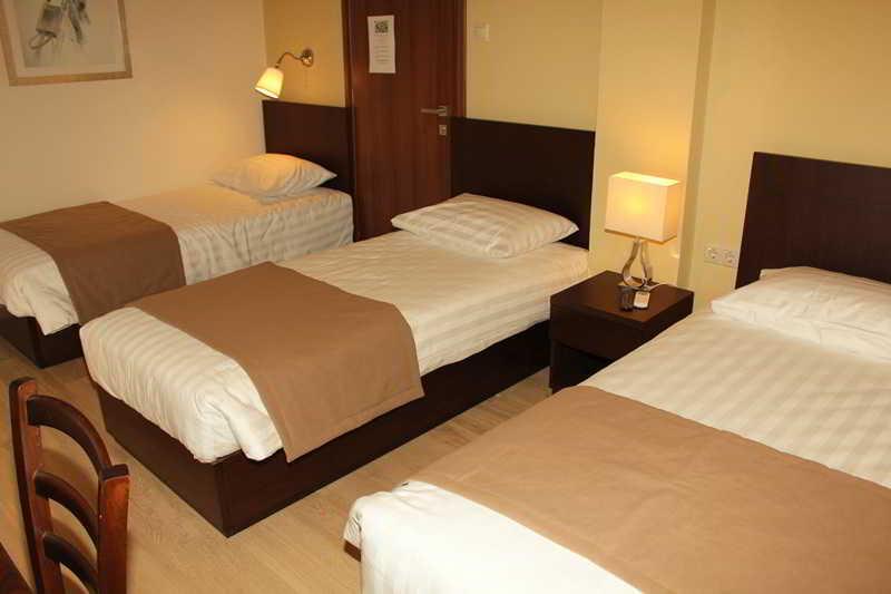 hotel rea hotel em heraklion creta desde 27 rumbo. Black Bedroom Furniture Sets. Home Design Ideas