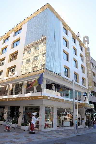 Hoteles de 5 estrellas en andorra zona centro for Hoteles para 5 personas