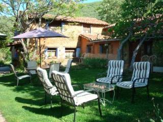 Hoteles con minigolf en vila provincia espa a viajes for Hoteles en avila con piscina