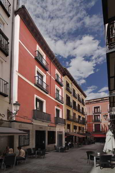 Alojamientos en madrid sol plaza mayor for Sol plaza madrid
