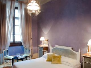Hotel N4u Guest House
