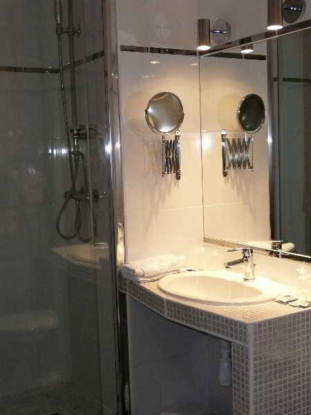 hotel spa du commerce. Black Bedroom Furniture Sets. Home Design Ideas