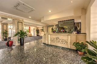 Regal Park Hotel