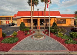 Quality Inn & Suites Riverfront East Palatka