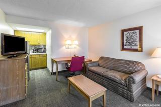 Quality Inn & Suites Waycross Area