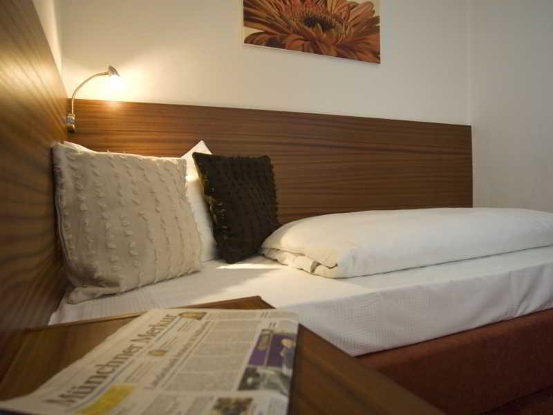 Munchen Hotel Dolomit