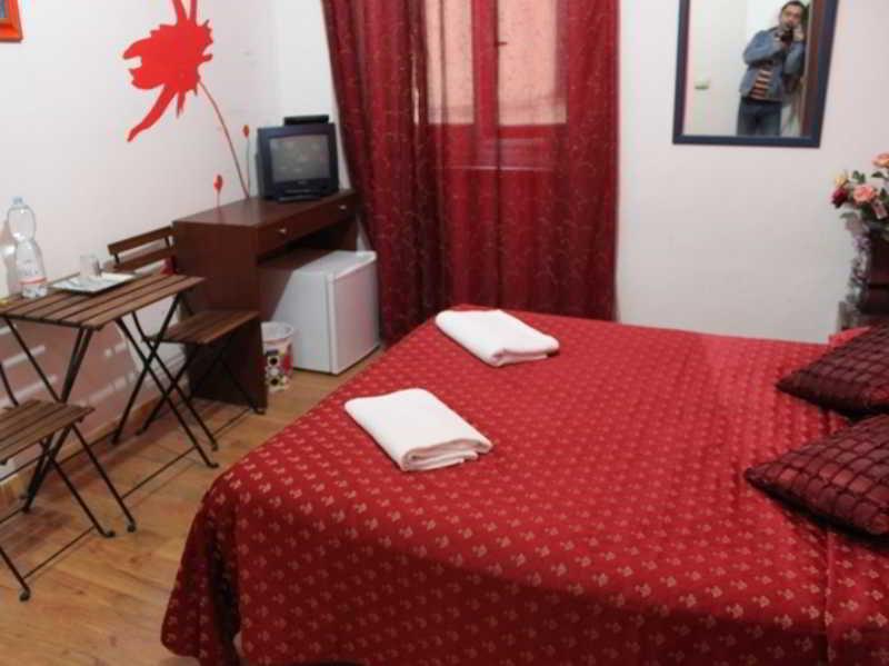 Alojamiento Y Desayuno Adone House