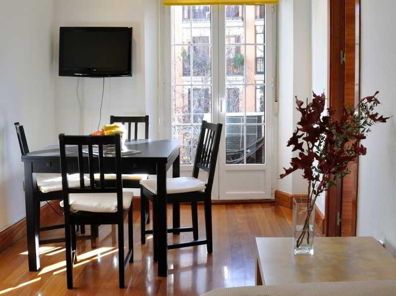 Apartamento gran via sol apartamentos en madrid desde 63 rumbo - Apartamentos en sol madrid ...